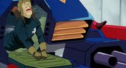 MSG-F91-Roy-tries-to-close-the-hatch