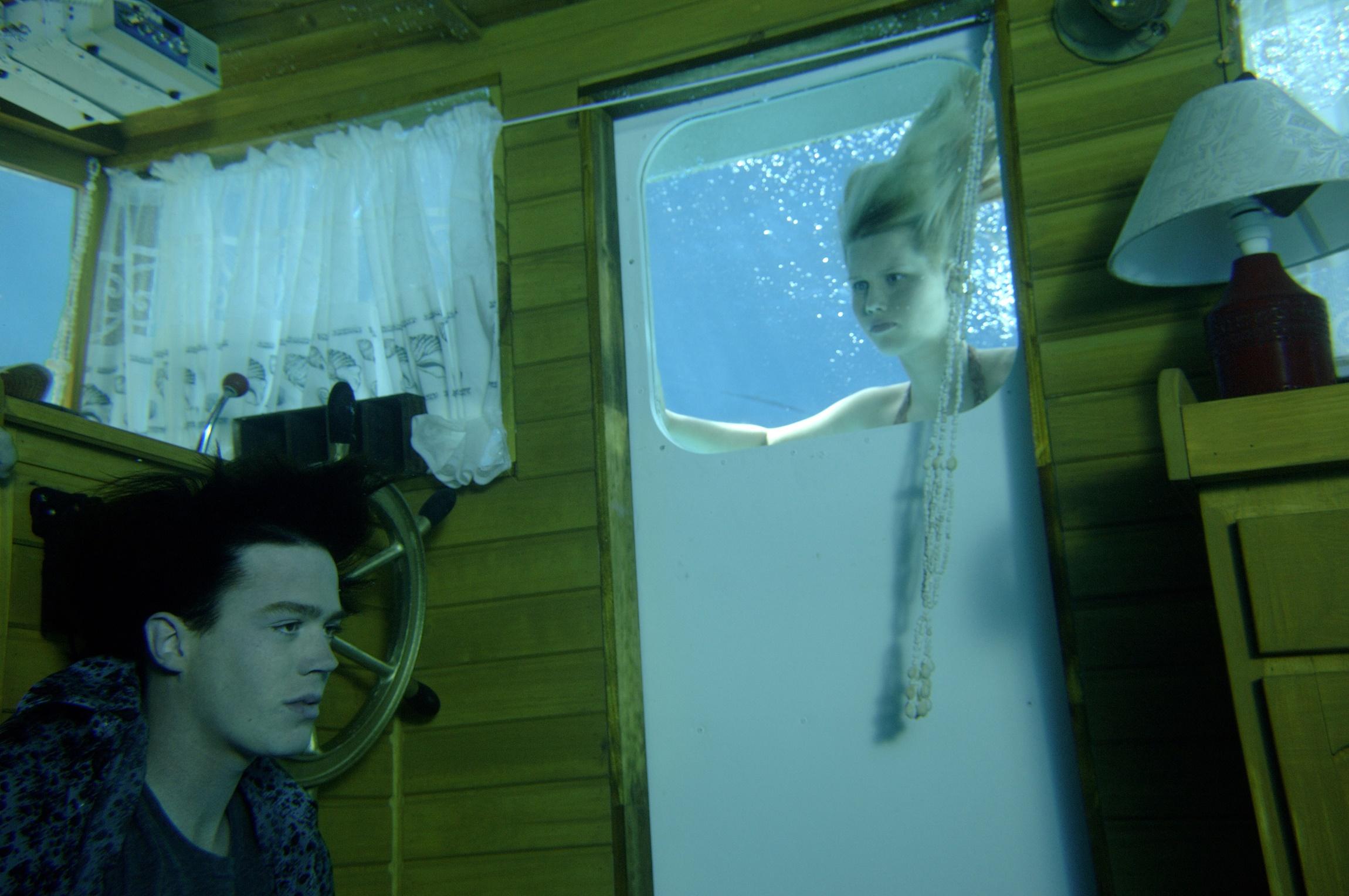 H2O: Just Add Water: Season 1: Episode 13: Shipwrecked