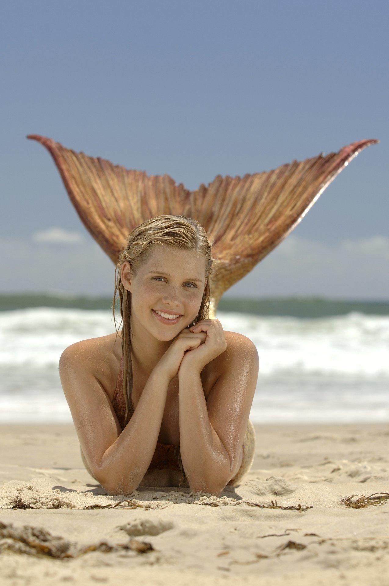 Emma Gilbert (JAW)