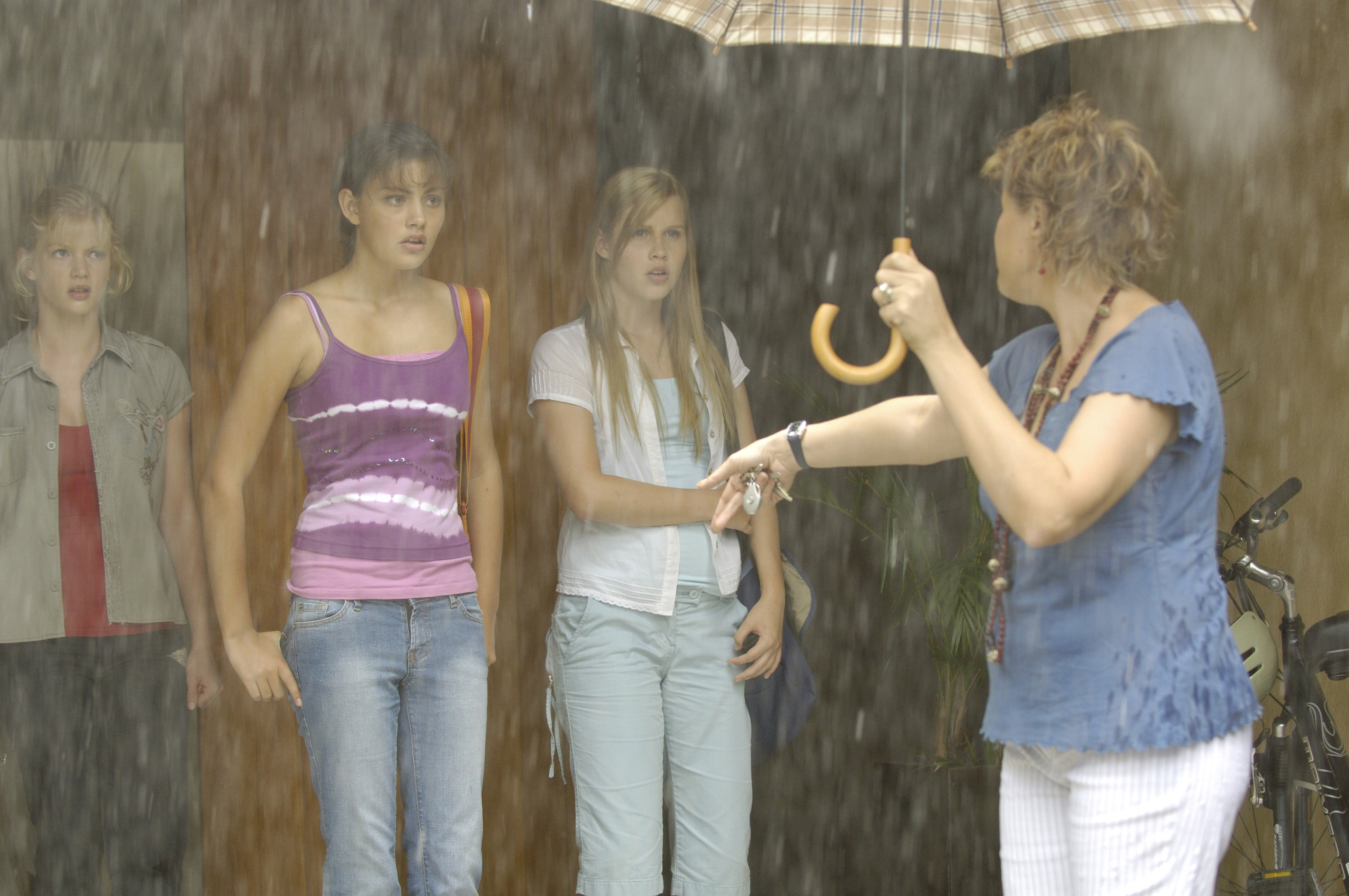 H2O: Just Add Water: Season 1: Episode 17: Under the Weather