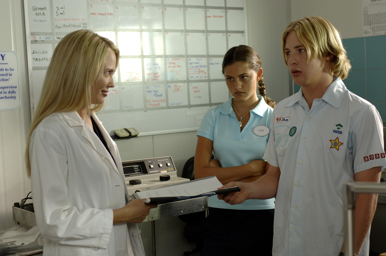 H2O: Just Add Water: Season 1: Episode 08: The Denman Affair