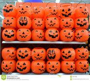 Halloween-plastic-pumpkins-basket-rows-sale-supermarket-usa-very-common-sight-around-october-annually-45312600