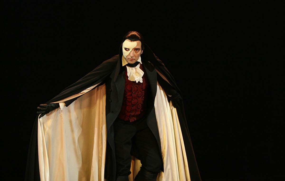 Phantom Of The Opera Costume Halloween Wiki Fandom