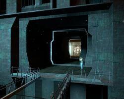 Citadel alyx elevator waiting.jpg