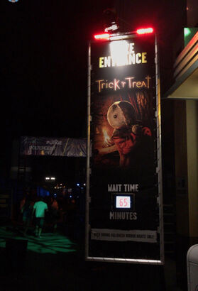 Trick 'r Treat Maze Entrance Sign (Hollywood).jpg