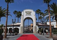 285px-Universal archway 2019