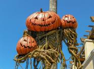 Three Head Static Pumpkin Figure 2