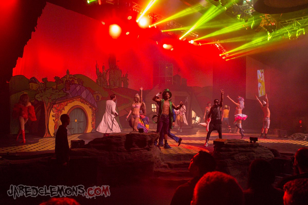 Bill & Ted's Excellent Halloween Adventure (Hollywood 2013)