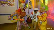 4K Killer Klowns Zone - Halloween Horror Nights 2018 - Florida