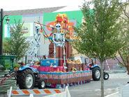 HHN Festival of the Deadliest Skeleton Float 4