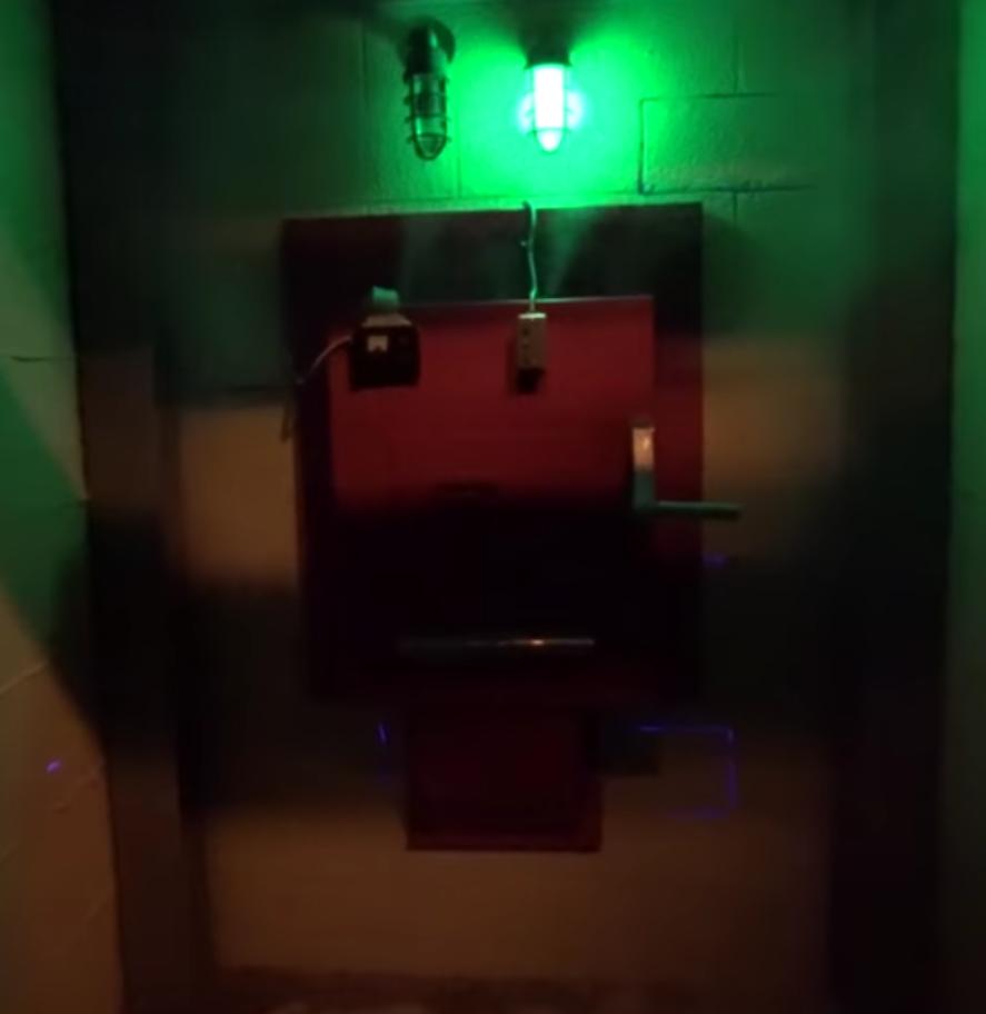 Containment Unit
