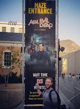 Ash Vs. Evil Dead Maze Sign (Hollywood).png