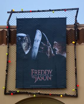 HHN 25 Freddy Vs. Jason Front Gate Banner.png