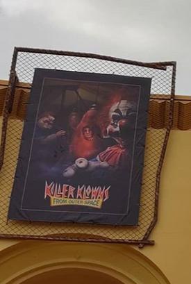 HHN 29 Killer Klowns Front Gate Banner.png