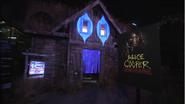 Screenshot 2020-05-15 Alice Cooper - Behind the Screams at Halloween Horror Nights 2011(1)