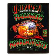 L-Retro-Halloween-Horror-Nights-1992-Pumpkin-Magnet-1348501