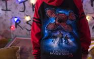 Screenshot 2020-11-13 Stranger-Things-Sweatshirt-Halloween-Horror-Nights-2018-1170x731