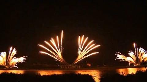 おぢやまつり 大花火大会 2013 フィナーレ 【市民一同】 600mワイドスターマイン Japanese fireworks at Ojiya ,Niigata Pref.