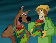 Shaggy-Scooby Christmas Scooby-Snacks