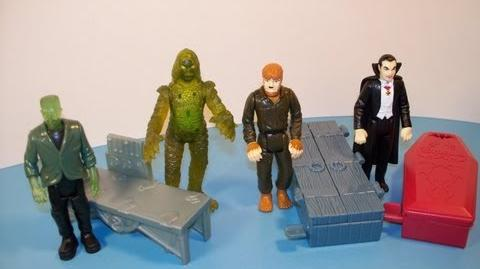 1997_BURGER_KING_UNIVERSAL_STUDIOS_MONSTERS_SET_OF_4_MINI_FIGURES_KID'S_MEAL_TOY_REVIEW