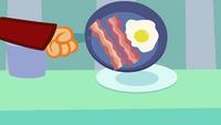 S3E1 Bacon eggs