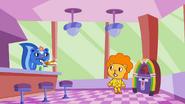 HTF Moments - Disco Bear eat dinner (TV S01 E07.1) 6