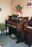 Reed organ Thomas