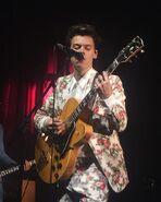 Harry live tour 2