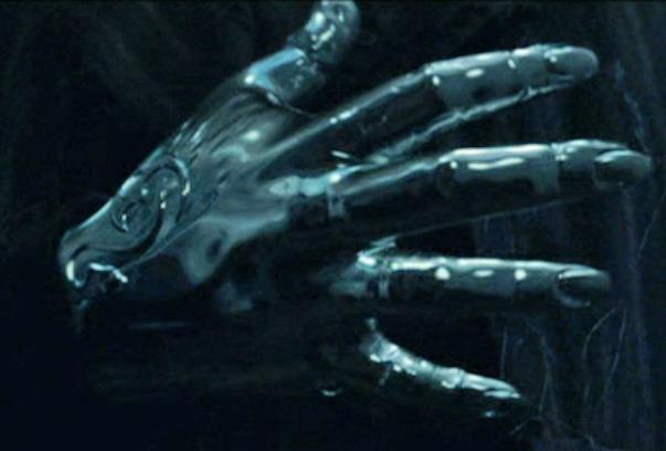 Peter Pettigrew's silver hand