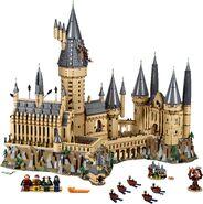 71043-Hogwarts Castle