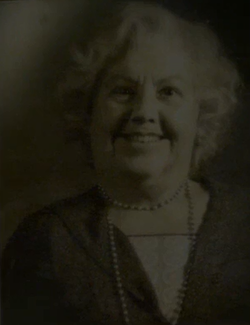 Бабушка Якоба Ковальски