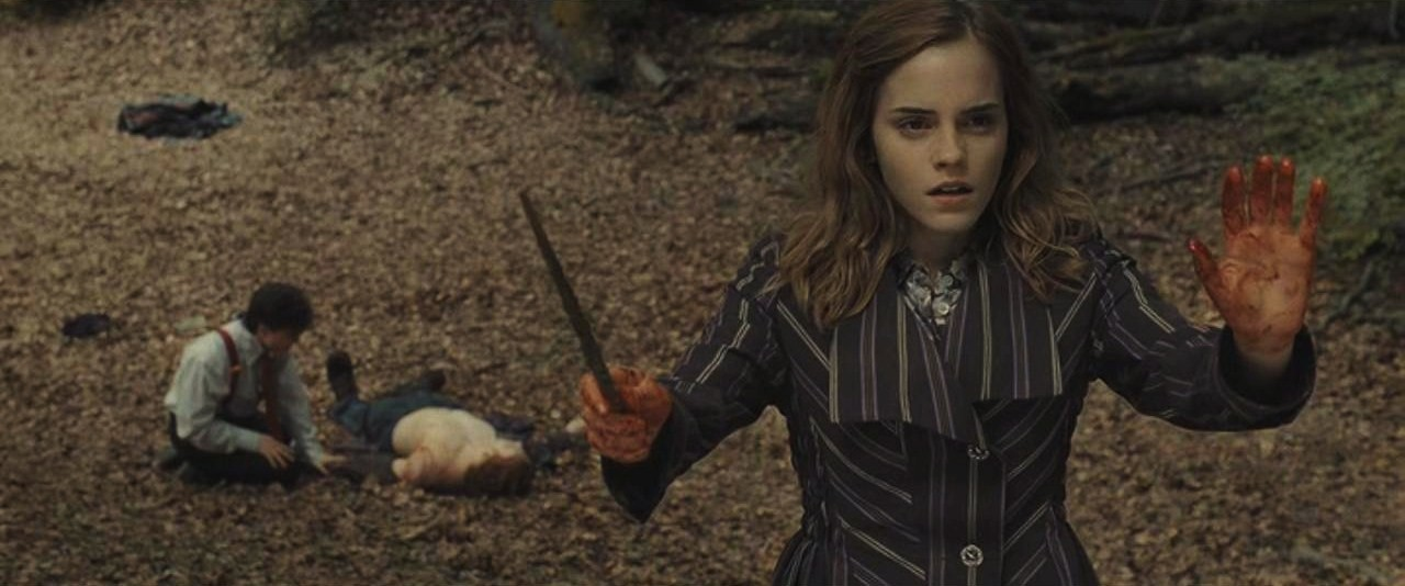 Hermione casting protective enchantments.JPG