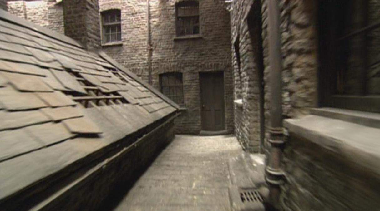 Notturn Alley