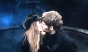 Поцелуй Лили и Джеймса.png