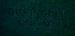 Lápide de Tom Riddle Sr..jpg