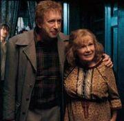 402px-Arthur and Molly Weasley.jpg