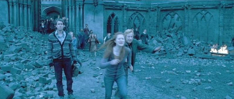 DH2 Ginny Weasley running and shouting.jpg