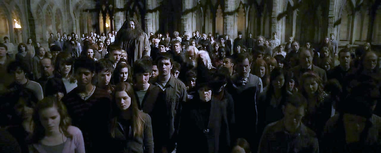 Crowd who saw Professor Dumbledore's dead body in the courtyard.JPG