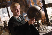 Draco-with-wand-at-the-ready
