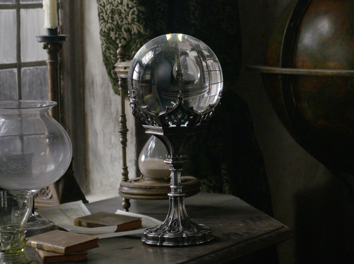 Flamel's crystal ball.png