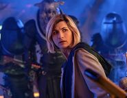 Doctor Who 12x10 001