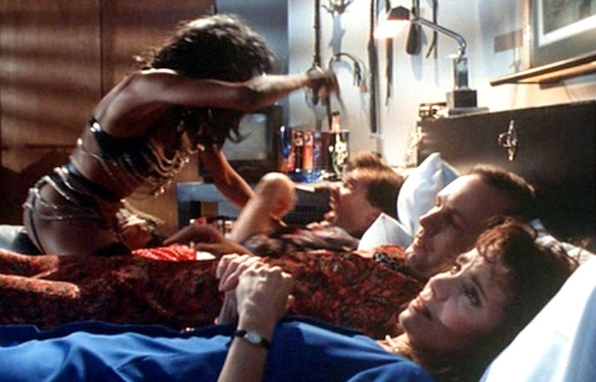 Tales from the Crypt 2x17 002.jpg