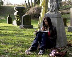 Vampire Diaries 1x01 013.jpg