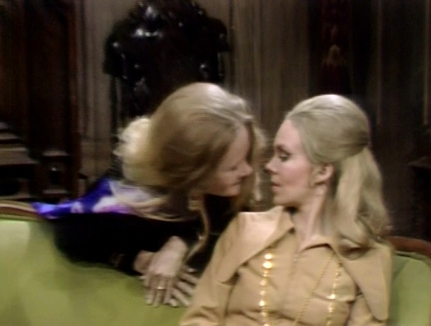 Dark Shadows: 1049