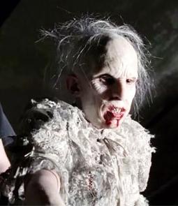 American Horror Story 1x01 034.jpg