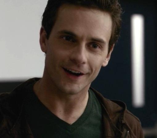 Vampire Diaries 1x10 002.jpg