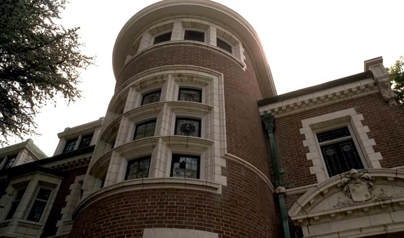 American Horror Story 1x01 029.jpg