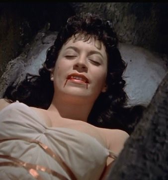 Vampire woman 002.jpg