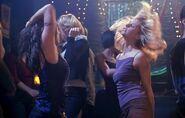 Dancing 002