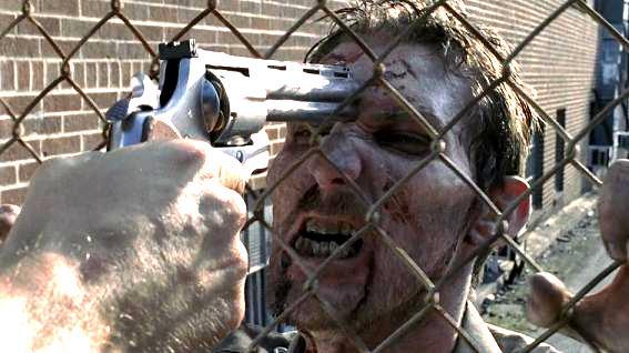 Walking Dead 1x01 009.jpg
